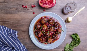 Vegafit Balls with pomegranate sauce